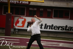wpid-Missoula-wedding-photography-UM-Washington-Grizzly-Stadium-Dax-photographers-4211.jpg