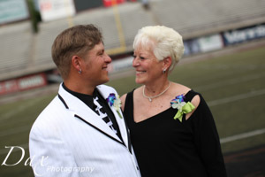 wpid-Missoula-wedding-photography-UM-Washington-Grizzly-Stadium-Dax-photographers-4681.jpg