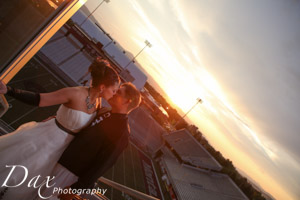 wpid-Missoula-wedding-photography-UM-Washington-Grizzly-Stadium-Dax-photographers-5616.jpg