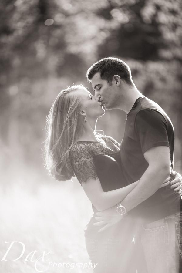 wpid-Engagement-Portrait-Photographers-Missoula-Montana-Dax-6252.jpg