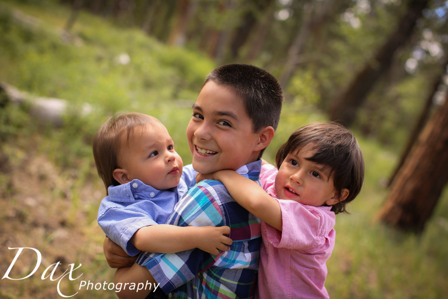 wpid-Family-Portrait-Photographers-Missoula-Montana-Dax-2744.jpg