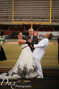 wpid-Missoula-wedding-photography-UM-Washington-Grizzly-Stadium-Dax-photographers-3295.jpg