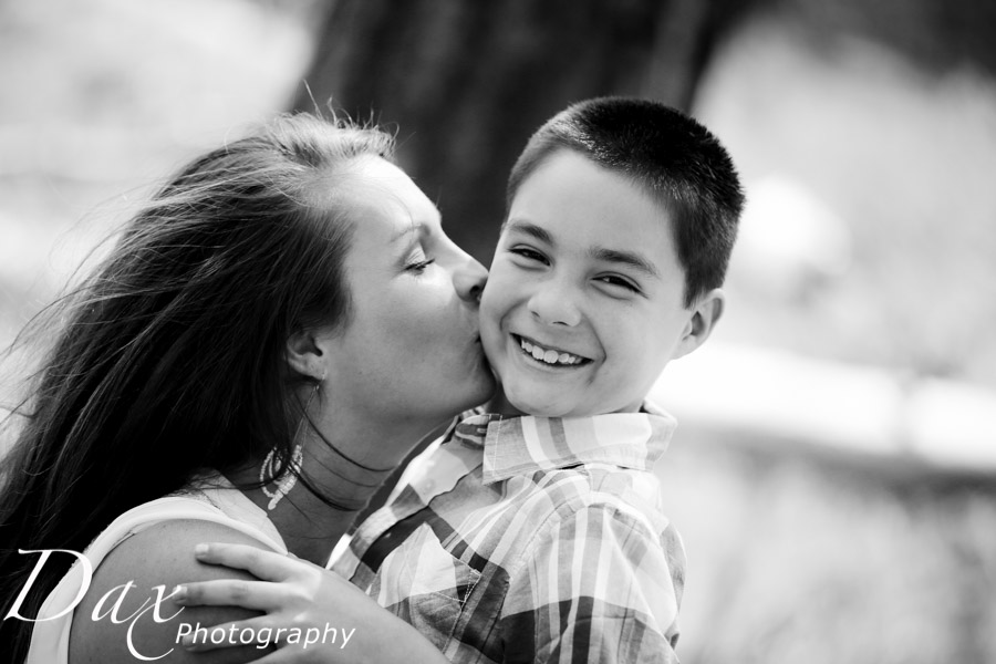 wpid-Family-Portrait-Photographers-Missoula-Montana-Dax-3352.jpg
