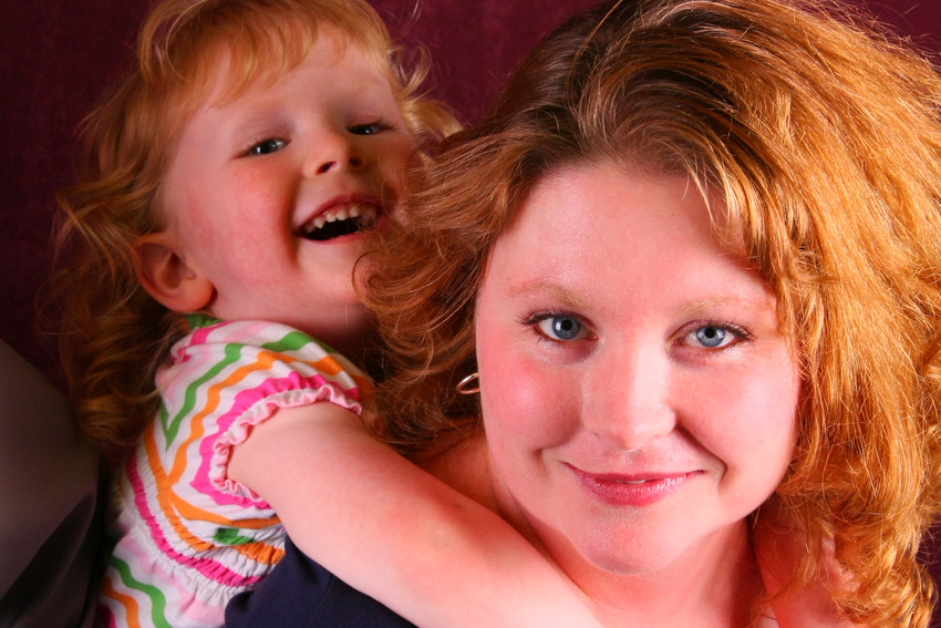 Mom and child at Missoula Help portrait event