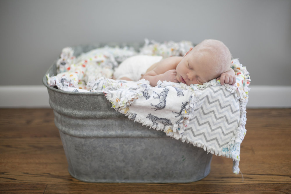 cincinnati newborn photographer 7.jpg