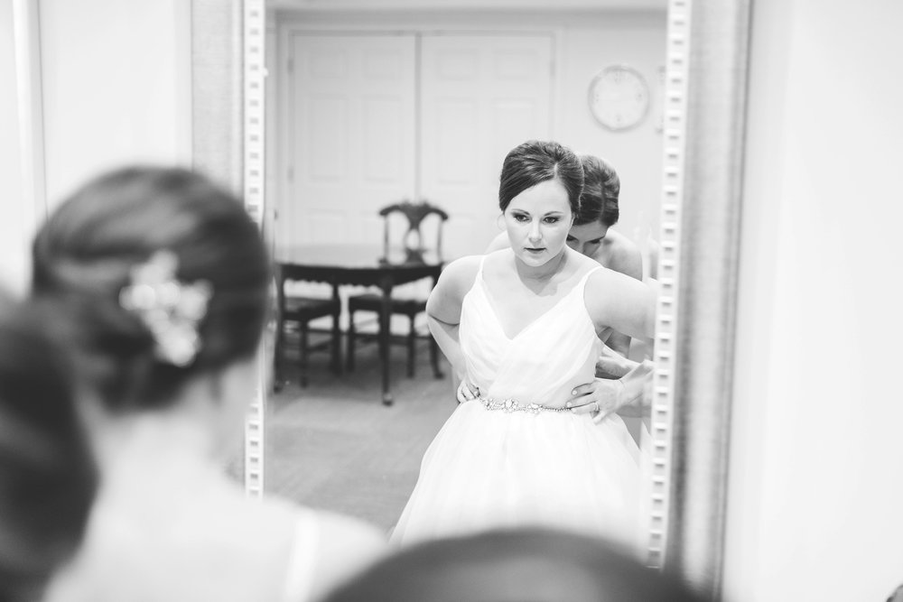 cincinnati wedding photographer carnegie center  (9 of 11).jpg