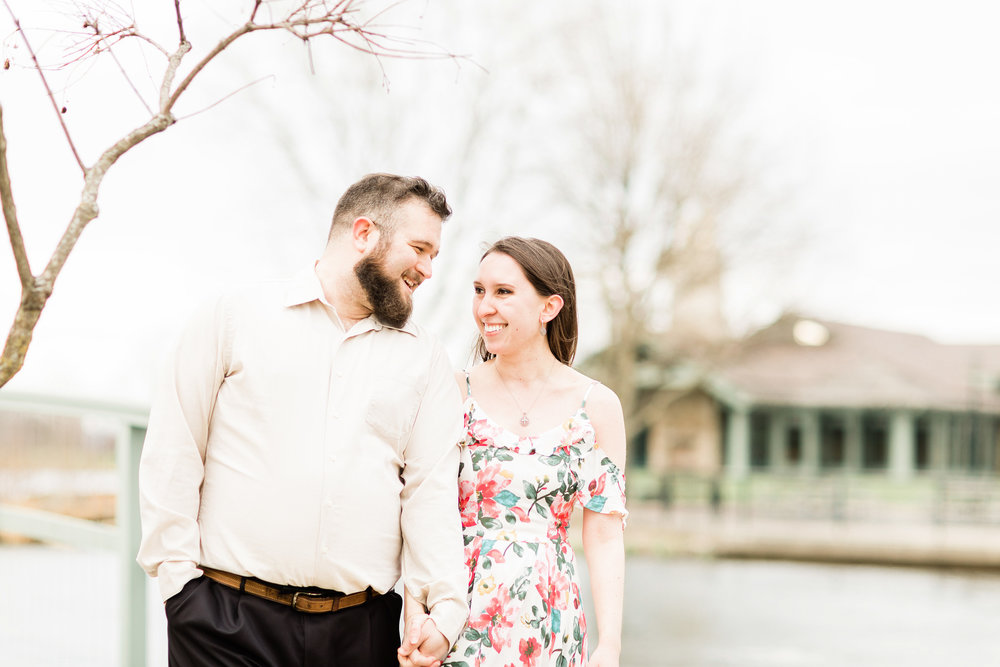 dayton ohio photographer cox arboretum engagement pictures (6 of 8).jpg