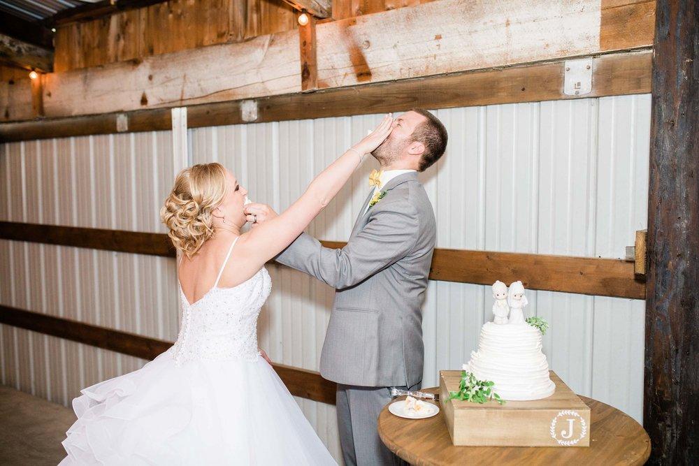 r buckeye barn southwest ohio wedding photographer-2.jpg
