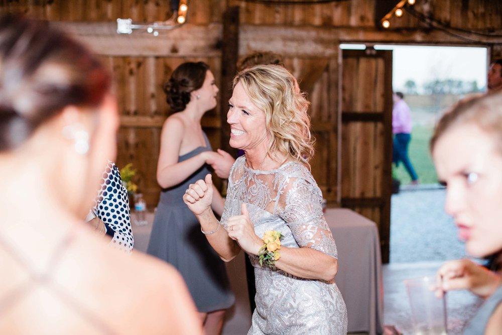 r buckeye barn southwest ohio wedding photographer-11.jpg