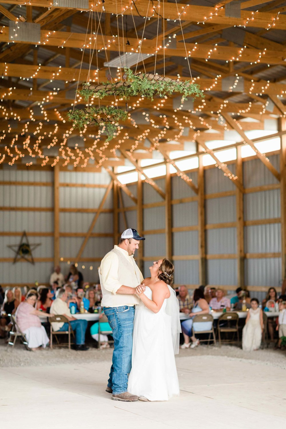 barn wedding blanchester ohio photographer-31.jpg