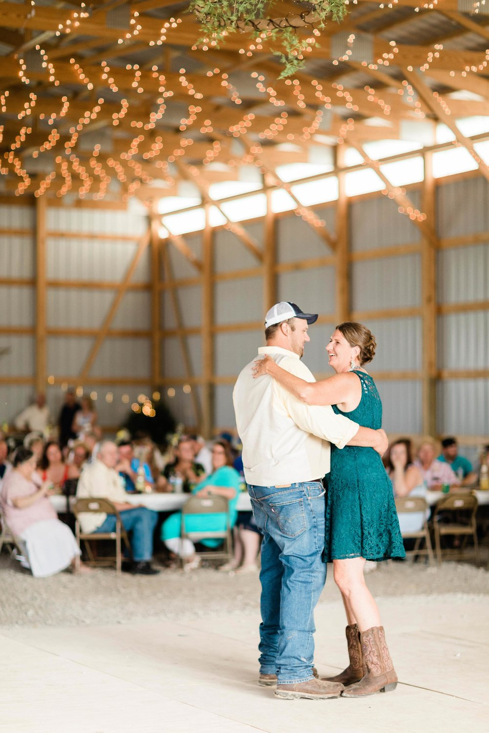 barn wedding blanchester ohio photographer-34.jpg