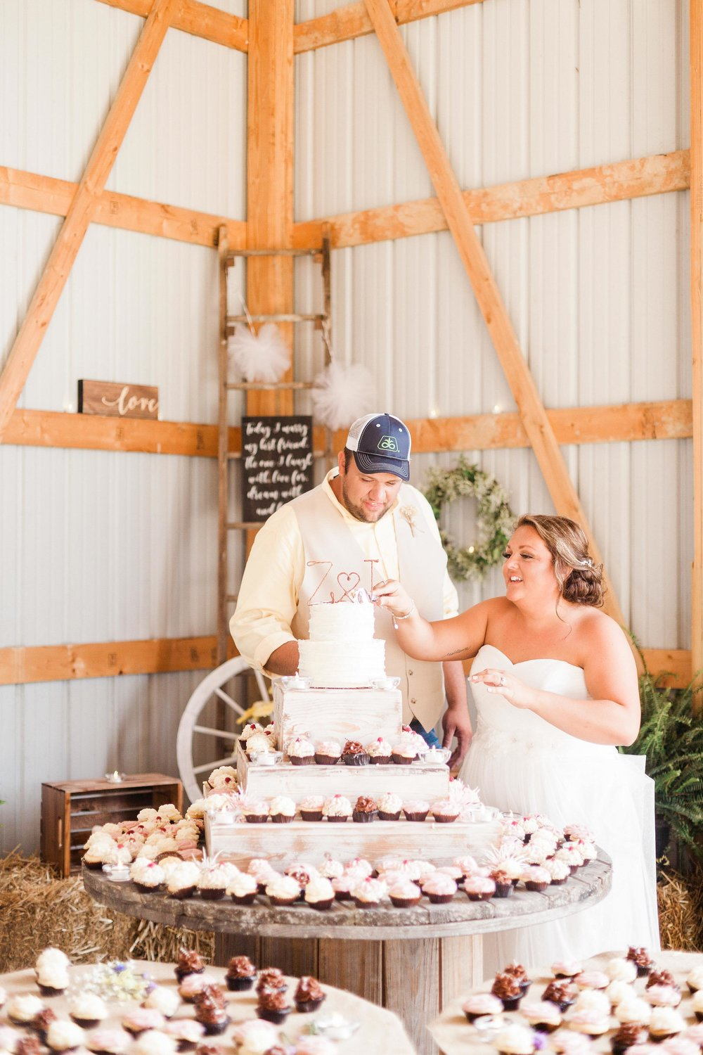 barn wedding blanchester ohio photographer-35.jpg