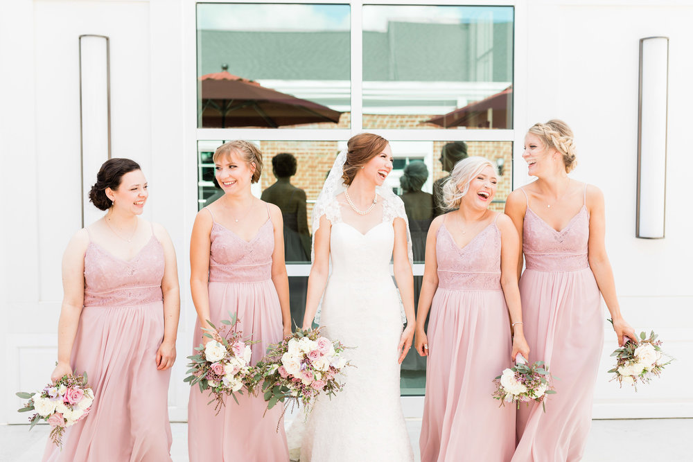 lauren day photography cincinnati wedding photographer bridal party pictures-3.jpg