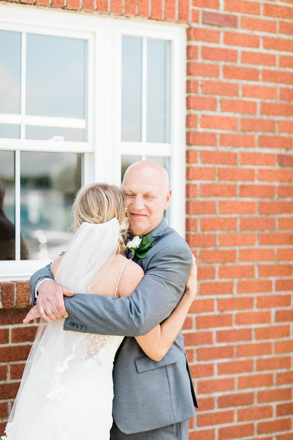 first look with father of the bride-3.jpg