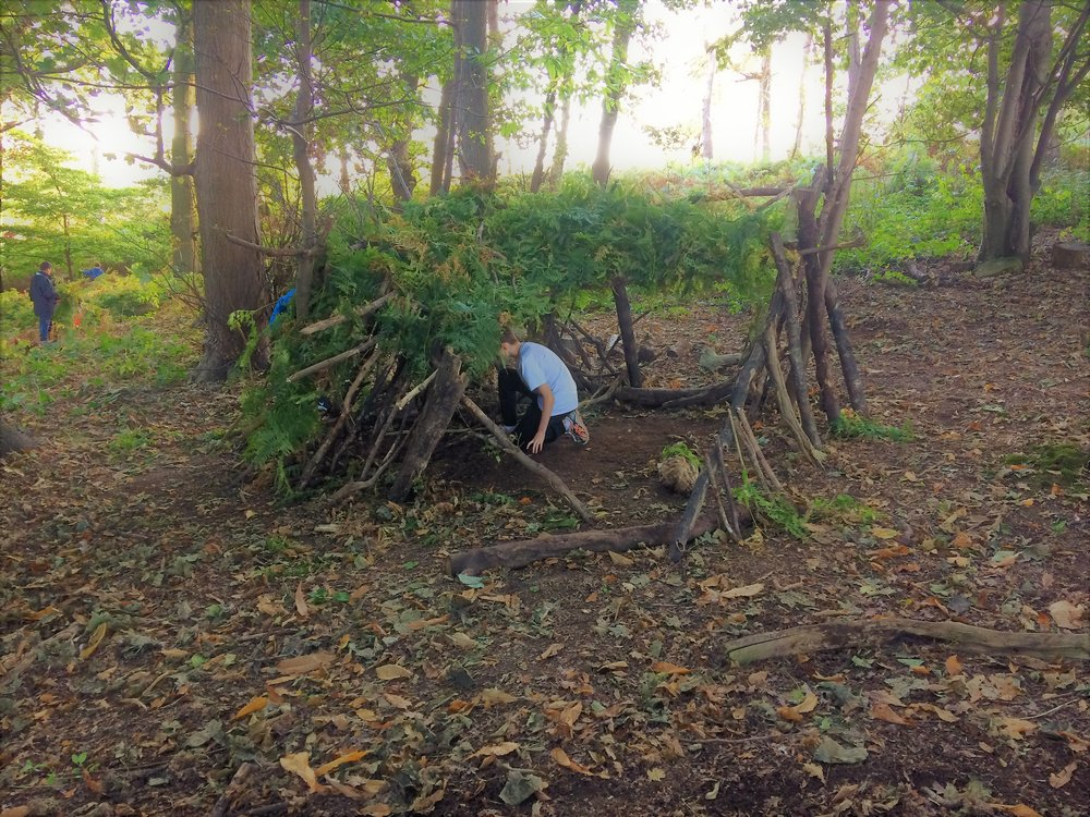 den building boys group.jpg