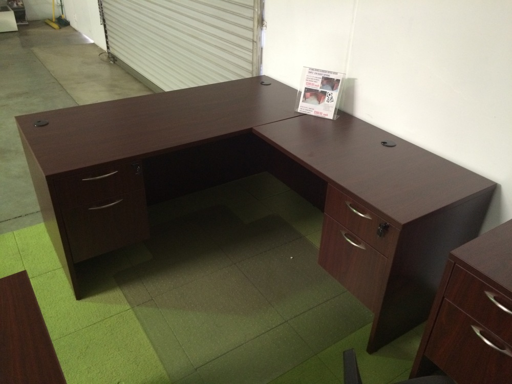 Copy of Gitana Series Closeout Desk