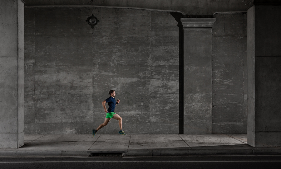 urban running in Santa Barbara by photographer Jonas Jungblut