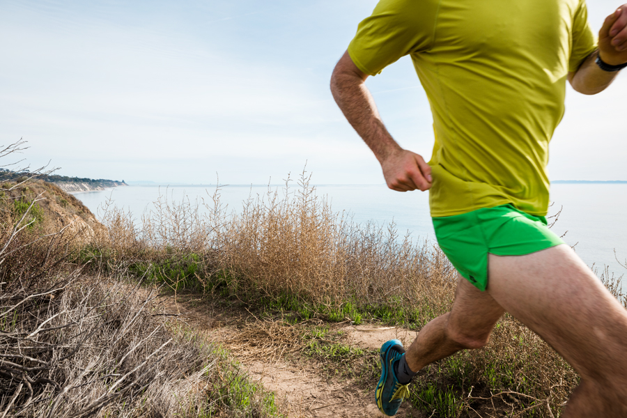 trail running in Santa Barbara by photographer Jonas Jungblut