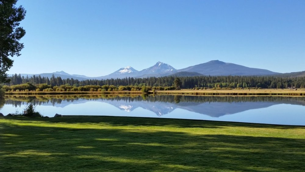 Beautiful lake at Black Butte ranch in sisters or