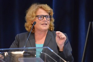 Heitkamp votes on keystone