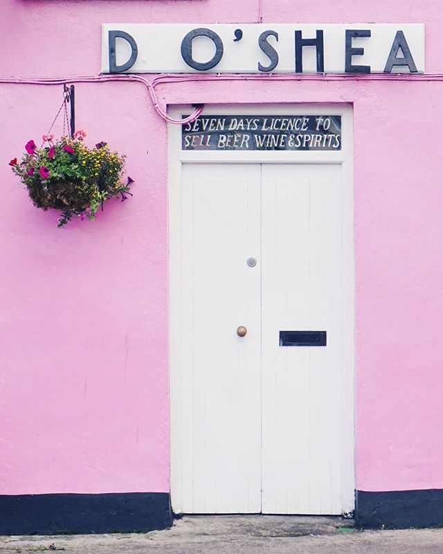 The Wild Atlantic Way is filled with stunning cliffs and awesome coastlines and also a super cute pink bar (my dad and brother were slightly less excited about this stop).