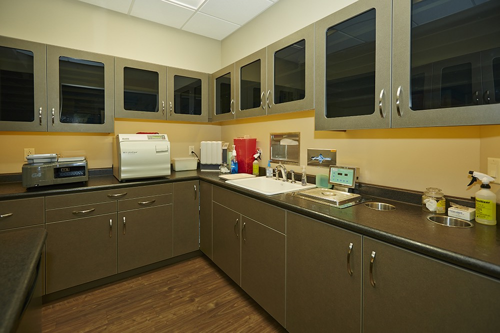 ELLIS-DENTAL-LAB.jpg
