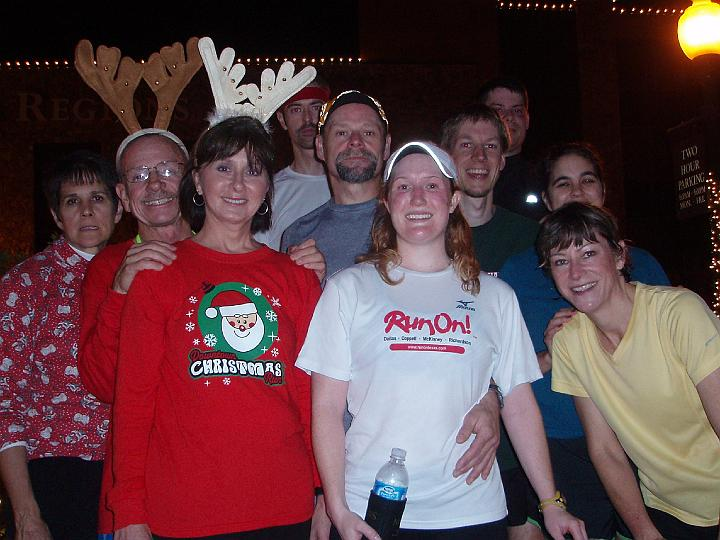 Front Row: Sandi, Penny and Mary / Middle Row: Richard, Steve, Joel and Leigh / Back Row: Unknown Runner, Jason and Corey