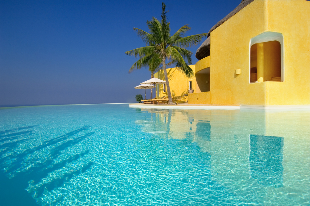 Costa Careyes.Castle.SoldeOriente.Infinity Pool.jpg