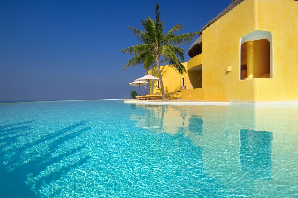 Costa Careyes.Castle.SoldeOriente.Infinity Pool.jpg