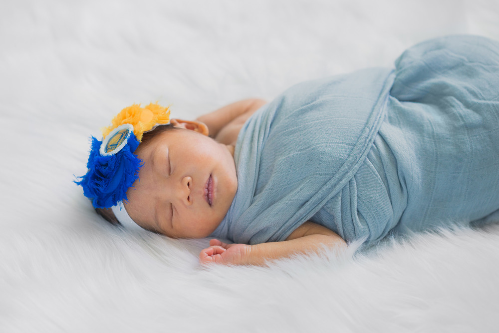 avery-olivia-newborn