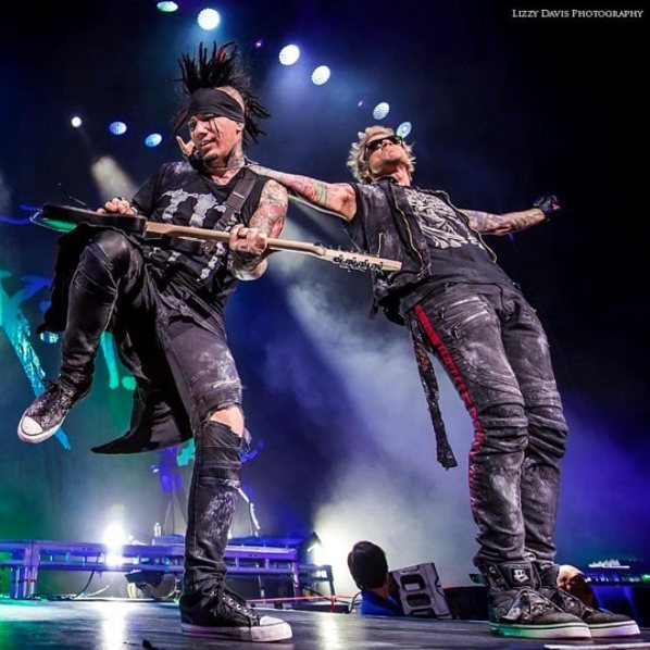 Great shot 📷 @lizzies #sixxam