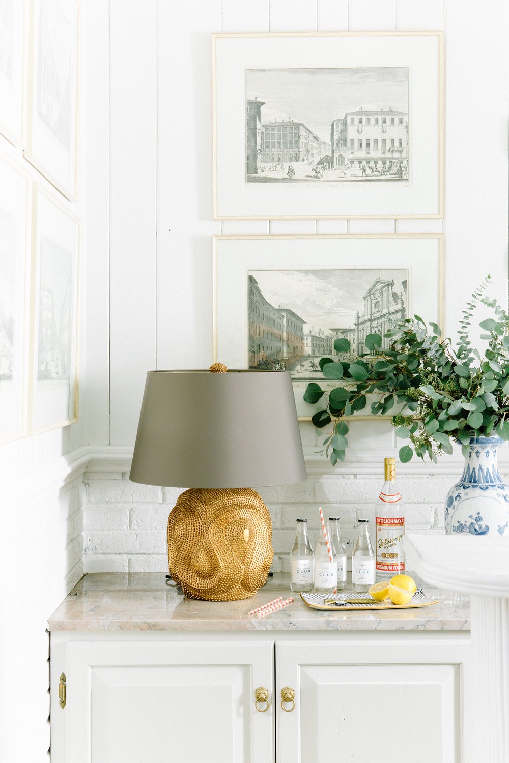 photo by:  Leslee Mitchell  -  arteriors lamp via lamps plus