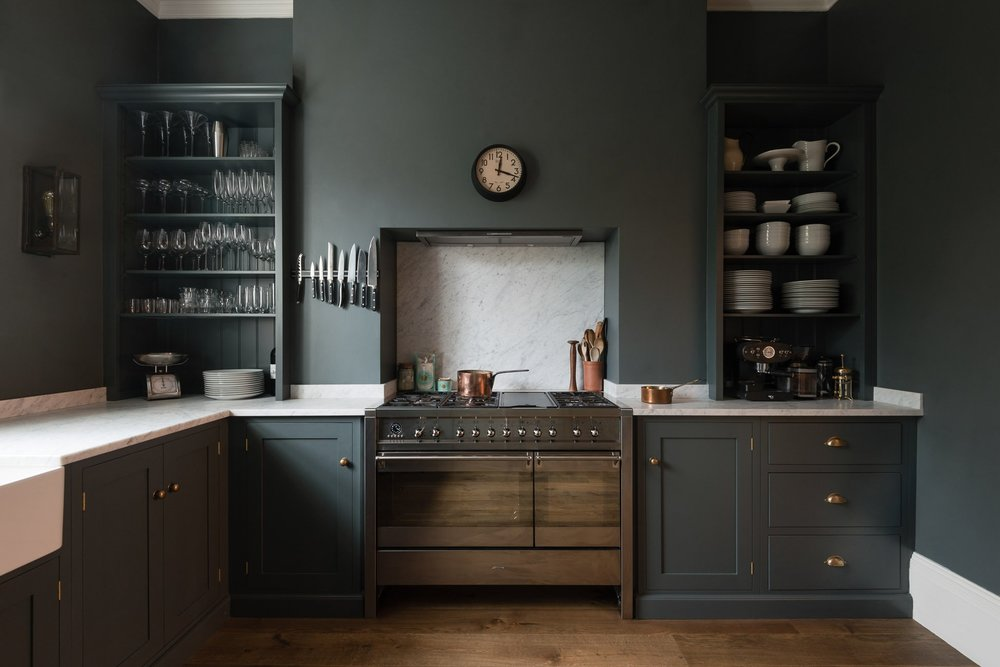 design and image via:  deVol Kitchens