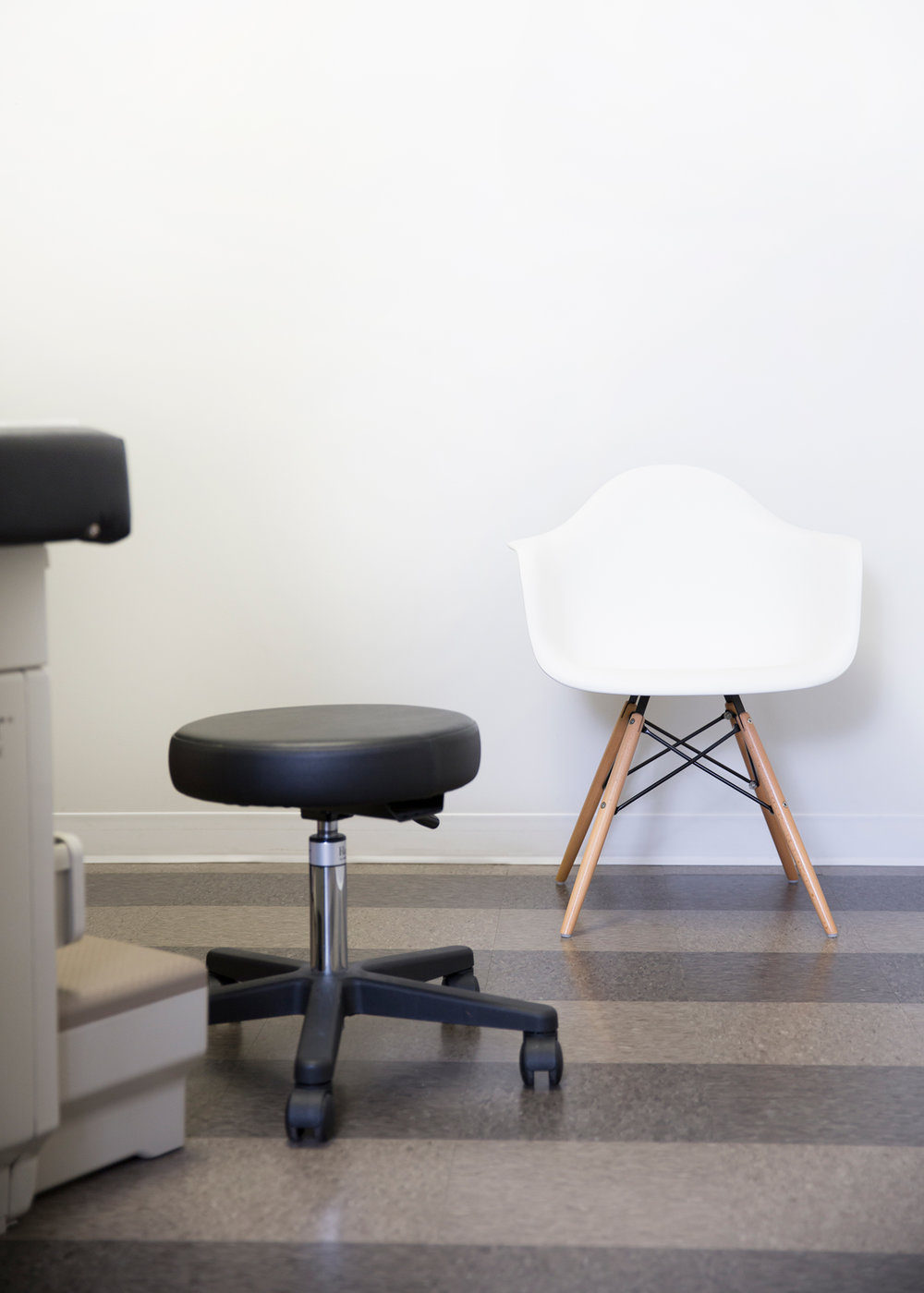 Relaxed and Inviting Doctor's Office // Designed by Pencil & Paper Co.