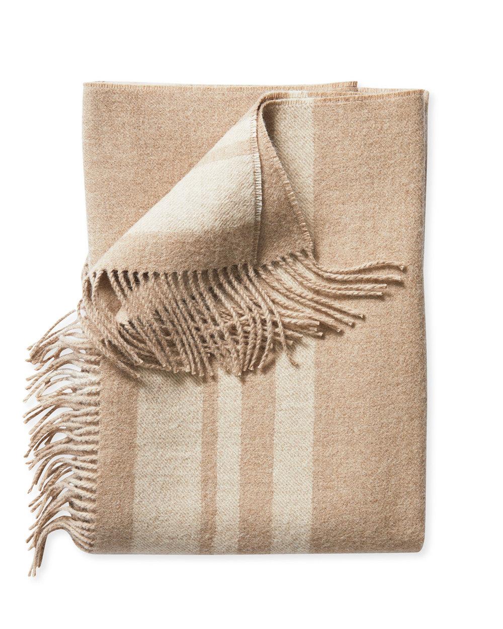 Throw_Blanket_Avery_Oatmeal_Ivory_Fold_MV_1250_Crop_SH.jpg