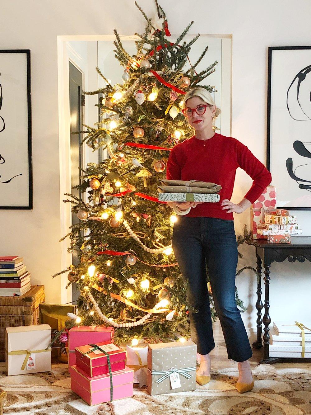 cashmere shrunken sweatshirt ,  kick crop jeans ,  editor slingback
