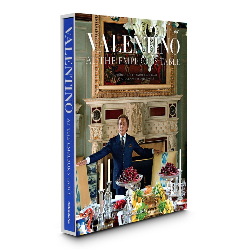3D-VALENTINO-AT-THE-EMPEROR_S-TABLE-A_V2_2048x.jpg