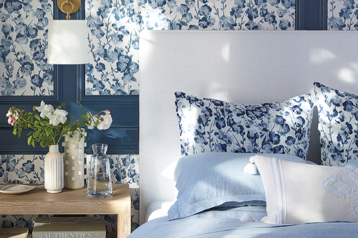 this  simple headboard silhouette  would look so fun in a print!