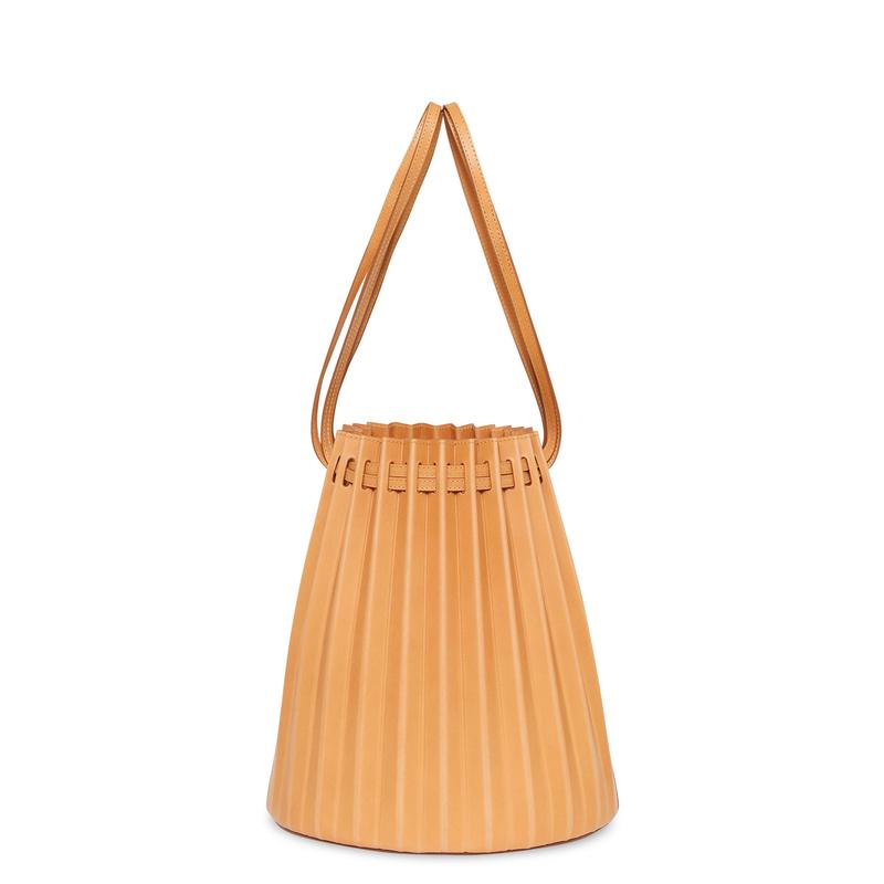 Camello_Pleated_Bucket_Bag_Detail_1_800x.jpg