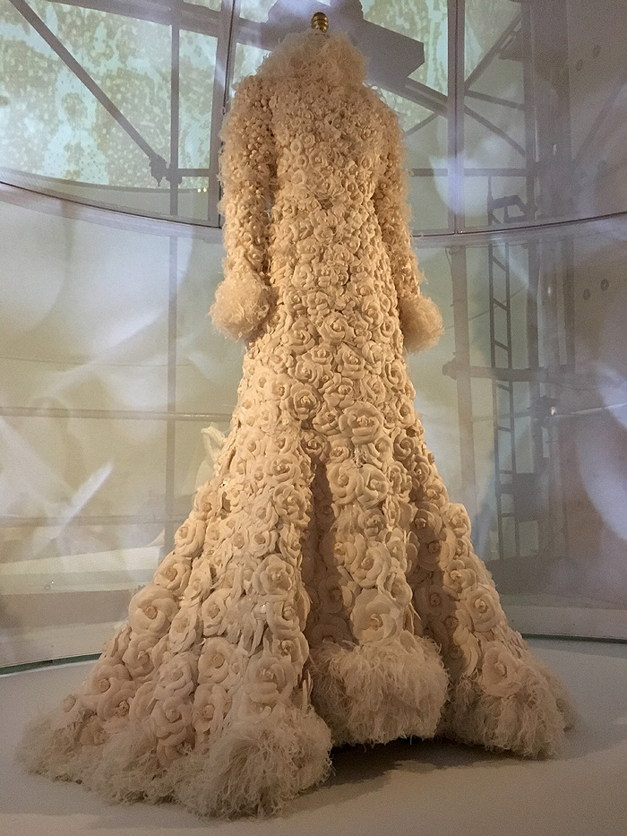 Fabulous handmade Chanel gown from Fall/Winter 2005 Haute Couture collection.