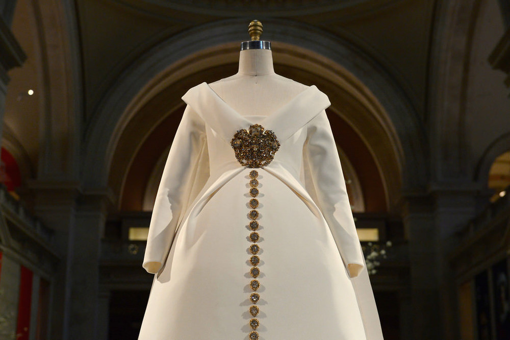 Costume-Institute-Metropolitan-Museum-Art-Met-Manus-Machina-Exhibit-Fashion-Tom-Lorenzo-Site-1.jpg