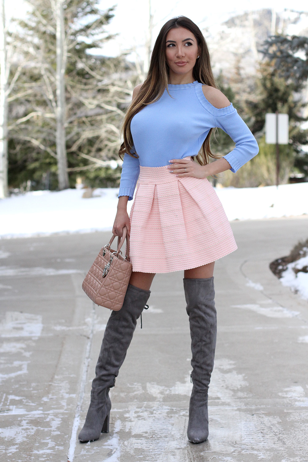 Utah's favourite blogger Ulia Ali showing her winter outfits. Pink, blue and grey combo.
