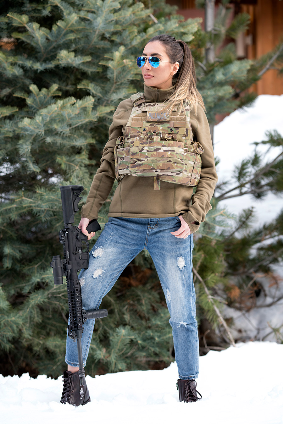 Army Babe look. Ready for the zombie attack. Bloggers in camo.