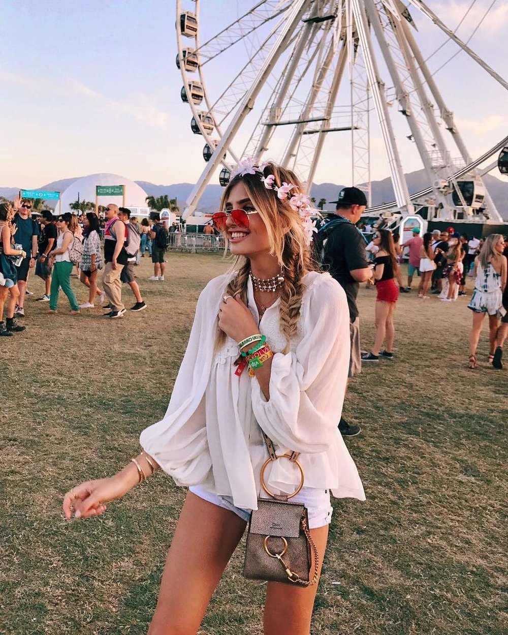 Xenia Van Der Woodsen at Coachella. I love her look!
