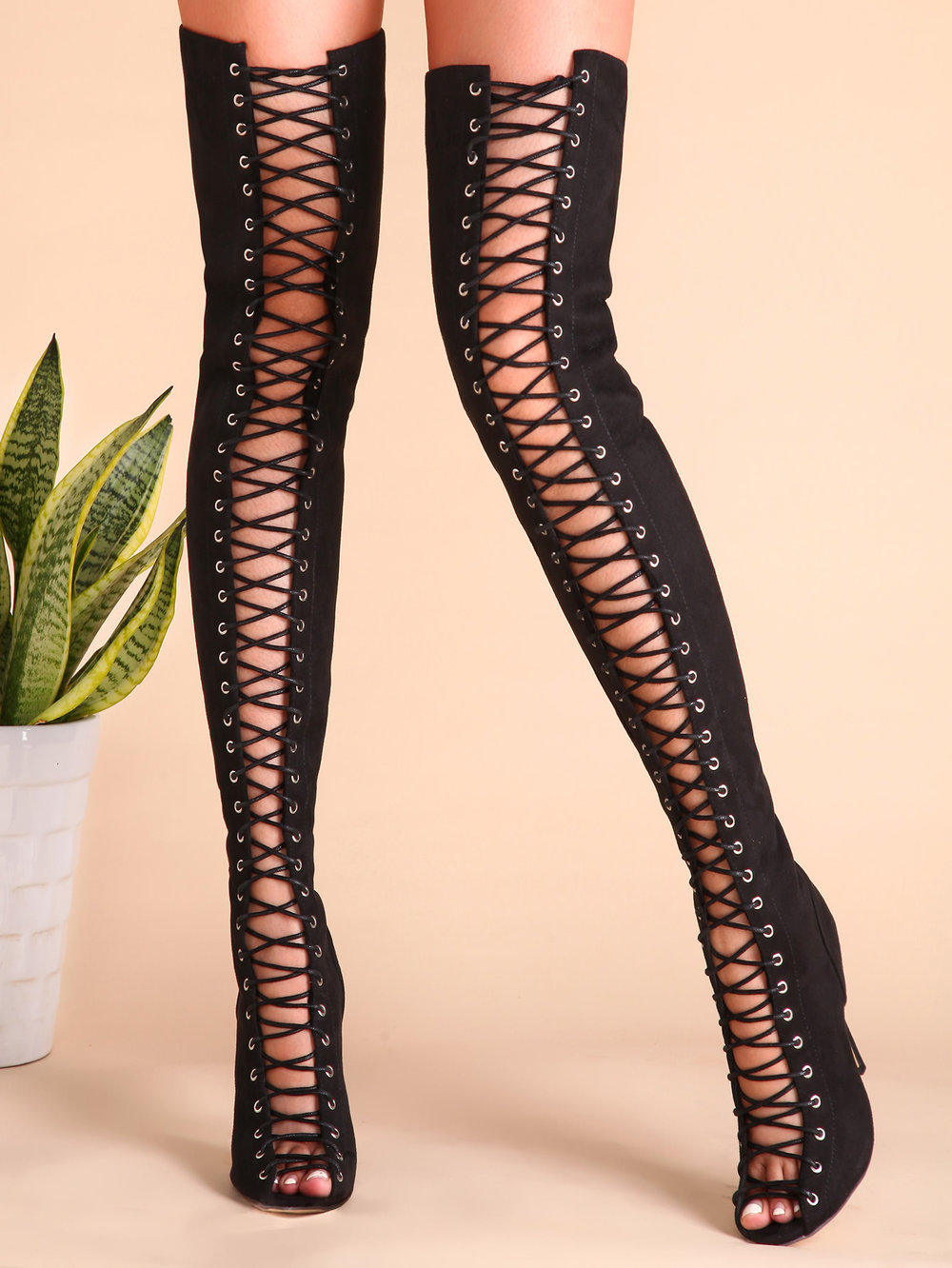 These ones are less than $60 and the website delivers worldwide! Super hot!