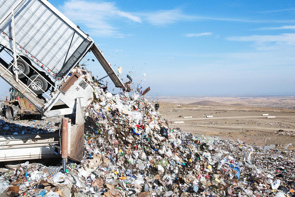 Garbage being dumped into Altamont landfill in Livermore, CA