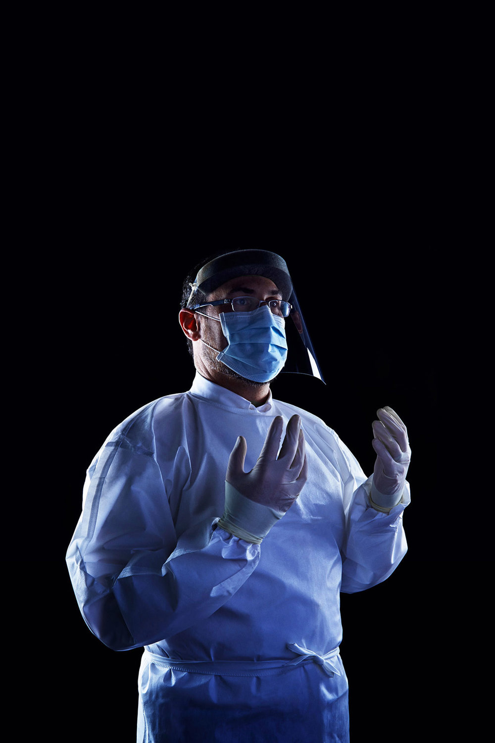 Personal Protective Equipment for Treating Patient with Ebola, 2014