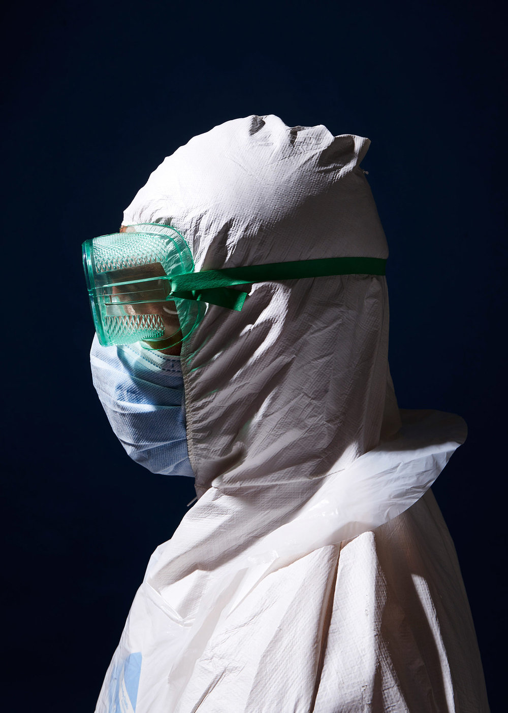 CDC staff member wearing the protective suiting needed to treat ebola infected patients