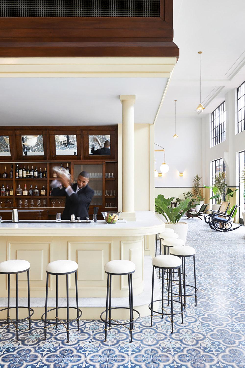 American Trade Hotel Bar, Panama