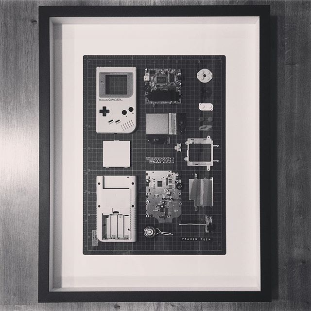 Here it goes 🇬🇧🇬🇧 #Gameboy #framedtech #tech #frames #gadgets #nintendo #techlovers #decor #decoration